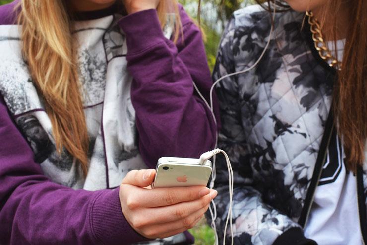 ¿A qué edad debo comprarle un móvil a mi hijo?