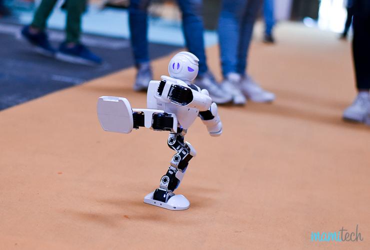 yomo-un-evento-para-inspirar-a-los-jovenes-sobre-ciencia-y-tecnologia-Mamitech-12