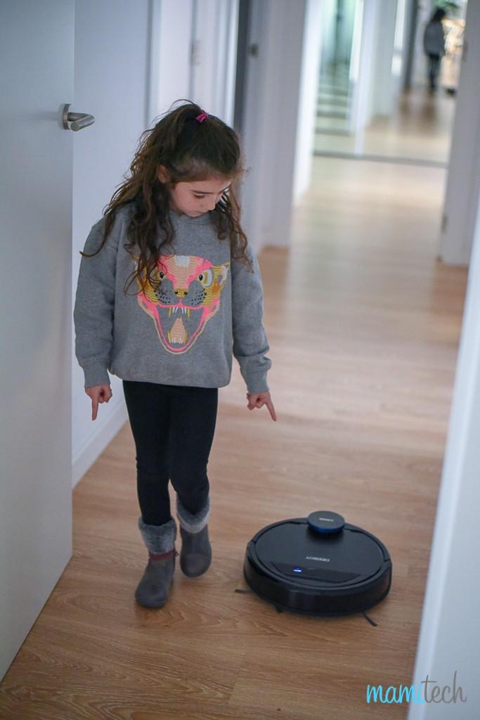 deebot-ozmo-930-de-ecovacs-el-robot-que-aspira-y-friega-a-la-vez